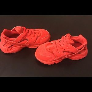 sports shoes 2af41 dcc23 Shoes - Toddler size 9 red nike huarache sneakers